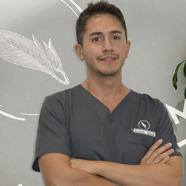 DR. LUIS MOQUILLAZA GONZALEZ